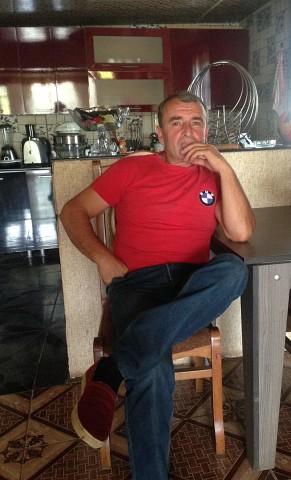 Gio, 53, Senak'i