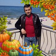Олег Николишин