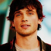 (SMALLVILLE) (Tom Welling)☑