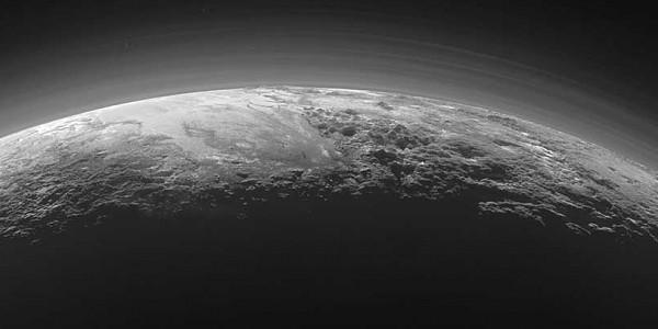 Картинки по запросу 29 марта 1974 года с космического аппарата США впервые были сделаны фотографии планеты Меркурий.