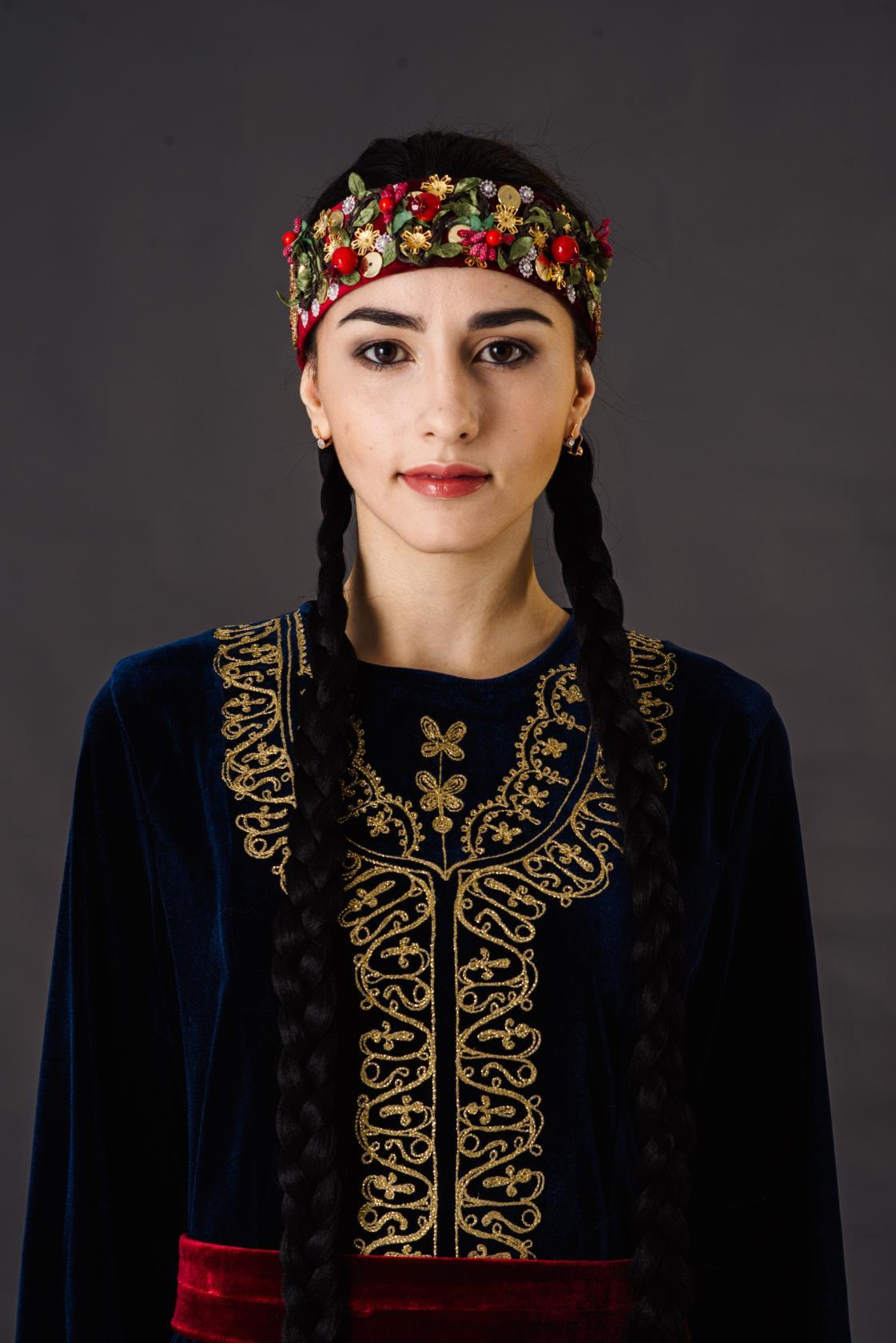 знакомство с армянским национальным костюмом
