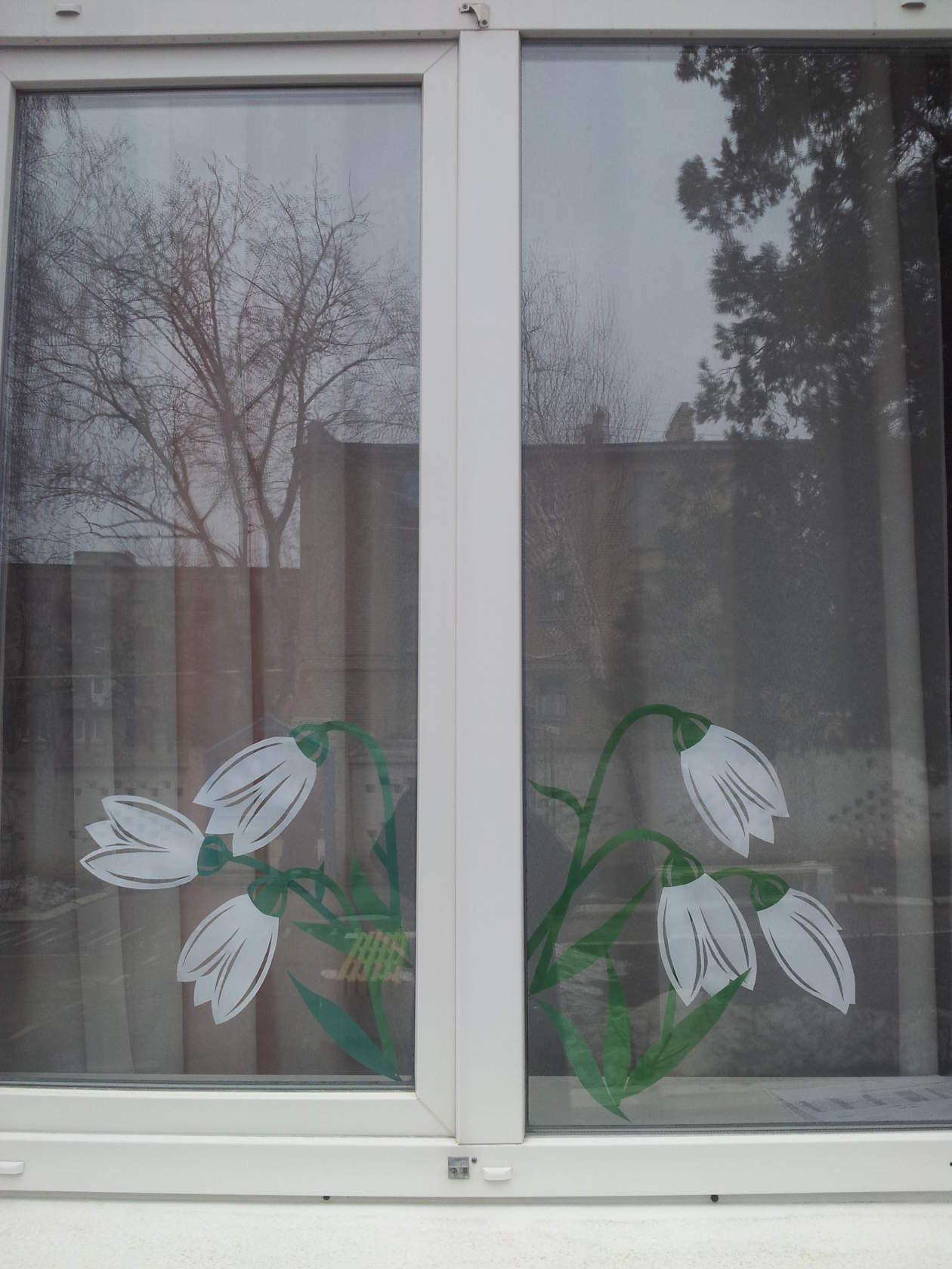 Как украсить окно к весне фото