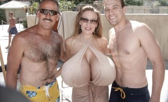 Самая огромная силиконовая грудь фантазий порно