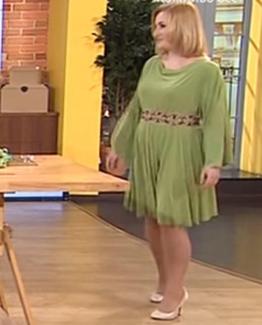 Праздничное платье одним швом для любой фигуры за 20 минут! - Все буде  добре - Выпуск 576 - 02.04.15 (https   youtu.be xE13poyycSY) b6665760f9c27