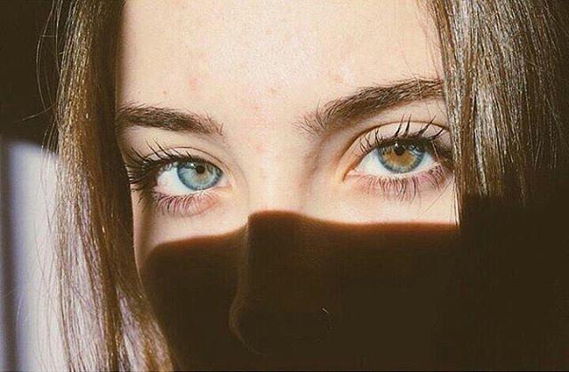 глаза серые