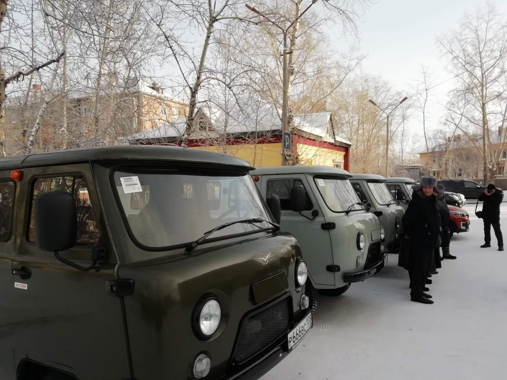 Четыре новых автомобиля УАЗ появятся в посёлках Братского района