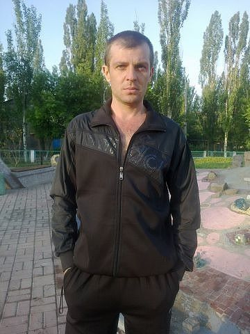Tolik, 45, Yenakiyeve