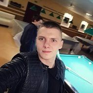 Максим Артемьев
