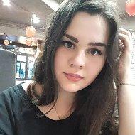 Даша Данило