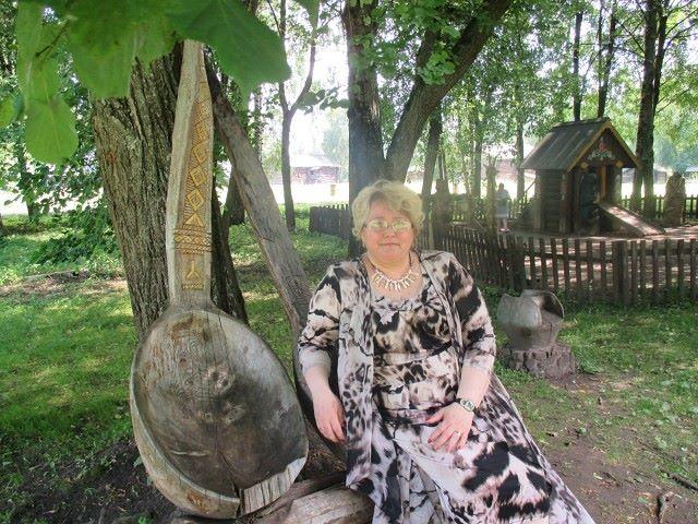 Elvira, 53, Annino