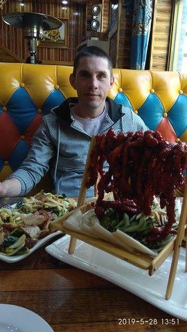 максим, 32, Ostroga