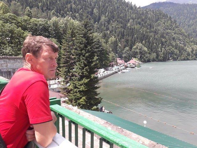 Анатолий, 47, Blagodarnyy