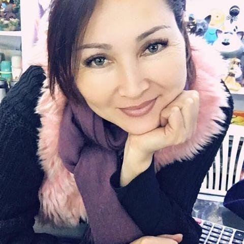 Mahabat, 49, Bishkek