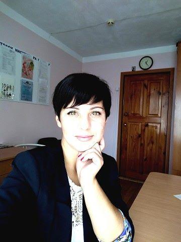Yuliya, 37, Uglekamensk