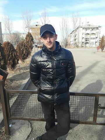 Armen, 23, Staronizhestebliyevskaya