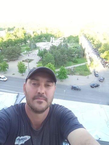 Alik, 40, Chisinau