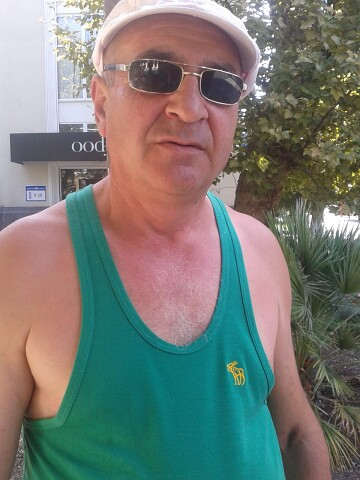 Armenak, 50, Shamil'kala