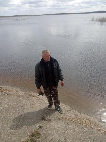 Aleksandr, 52, Loyew