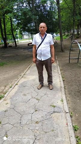 Ilie, 47, Balti