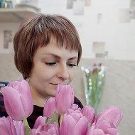 Оленька Зареченская