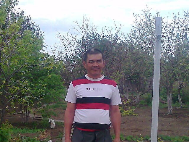 Esenzhan, 52, Esil
