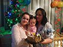 Нам сегодня один годик, мы уже большие))))