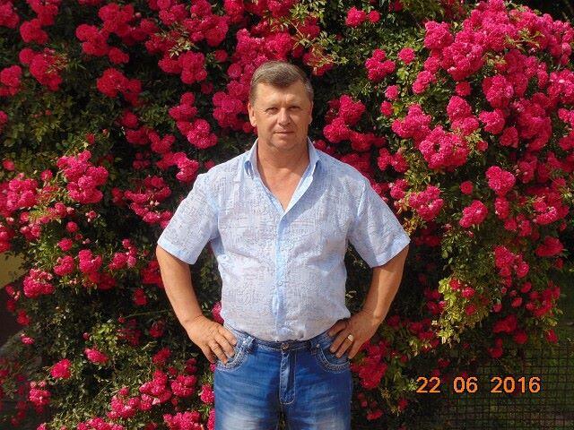 Volodya, 60, Labinsk