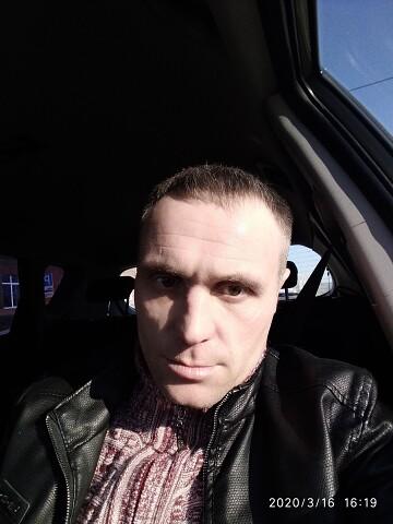 Aleksandr, 32, Chernushka