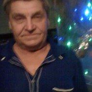 Анатолий Худяков