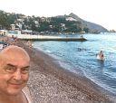 Гурзуф.. к семи вечера пляжи пустеют, днем здесь очень людно, вода 23-25