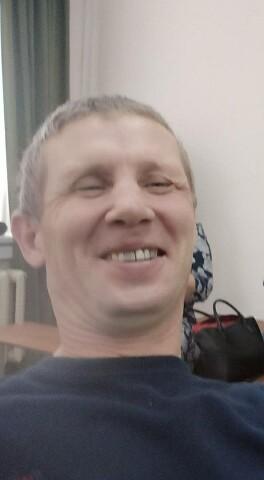 Konstantin, 43, Ural