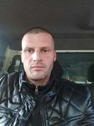 Dinu, 35, Chisinau