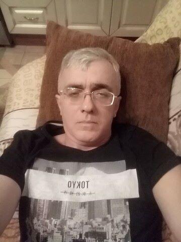 (((Aleksandr, 46, Starominskaya