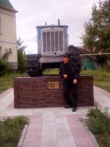 анатолий, 42, Zalesovo