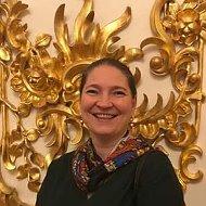 Анна Абрамова
