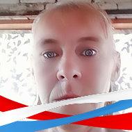 Надя Пестрецова
