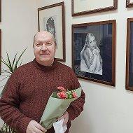Александр Веснин