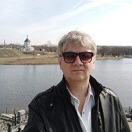 Николай Владимирович