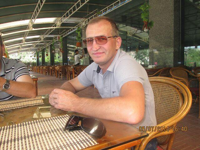 Dmitriy, 50, Osakarovka