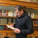 Люблю читать историю, философию,  классику!