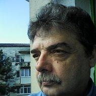 Валерий Коробовцев