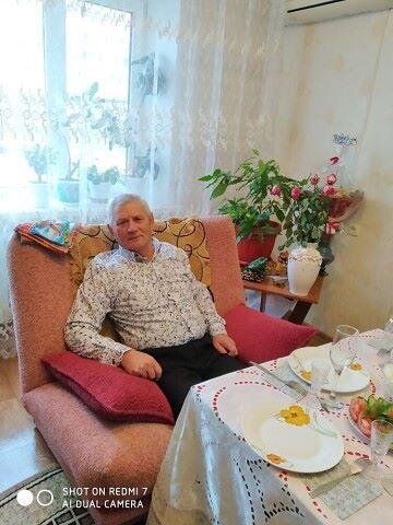Aleksandr, 69, Kharabali