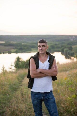 Evgen, 40, Zarechnyy