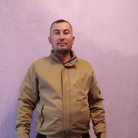 Inomjon, 32, Beruniy