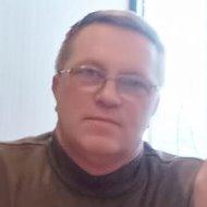 Валерий Лухмаев