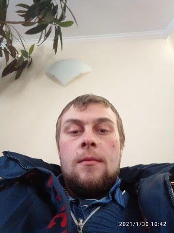 Азаров, 24, Ivanovo