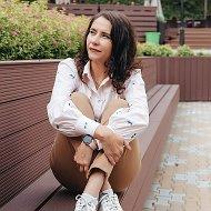 Яна Турова