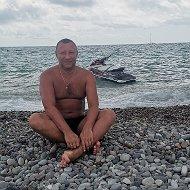 Роман Борисенко