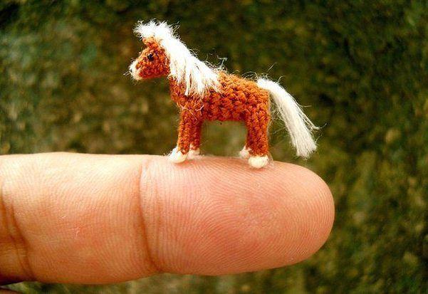 Картинки по запросу Вьетнамский мастер Su Ami вяжет крючком животных, помещающихся на вашем пальце.