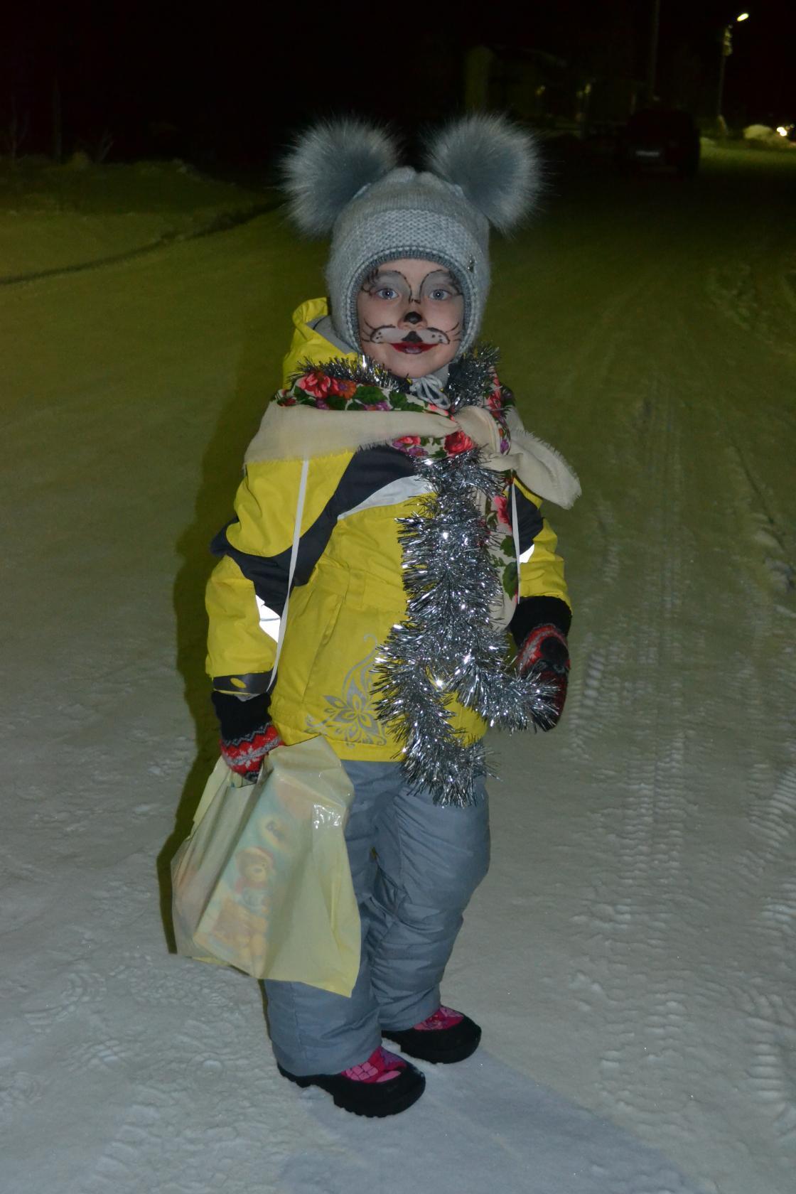 Вчера ходили колядовать))